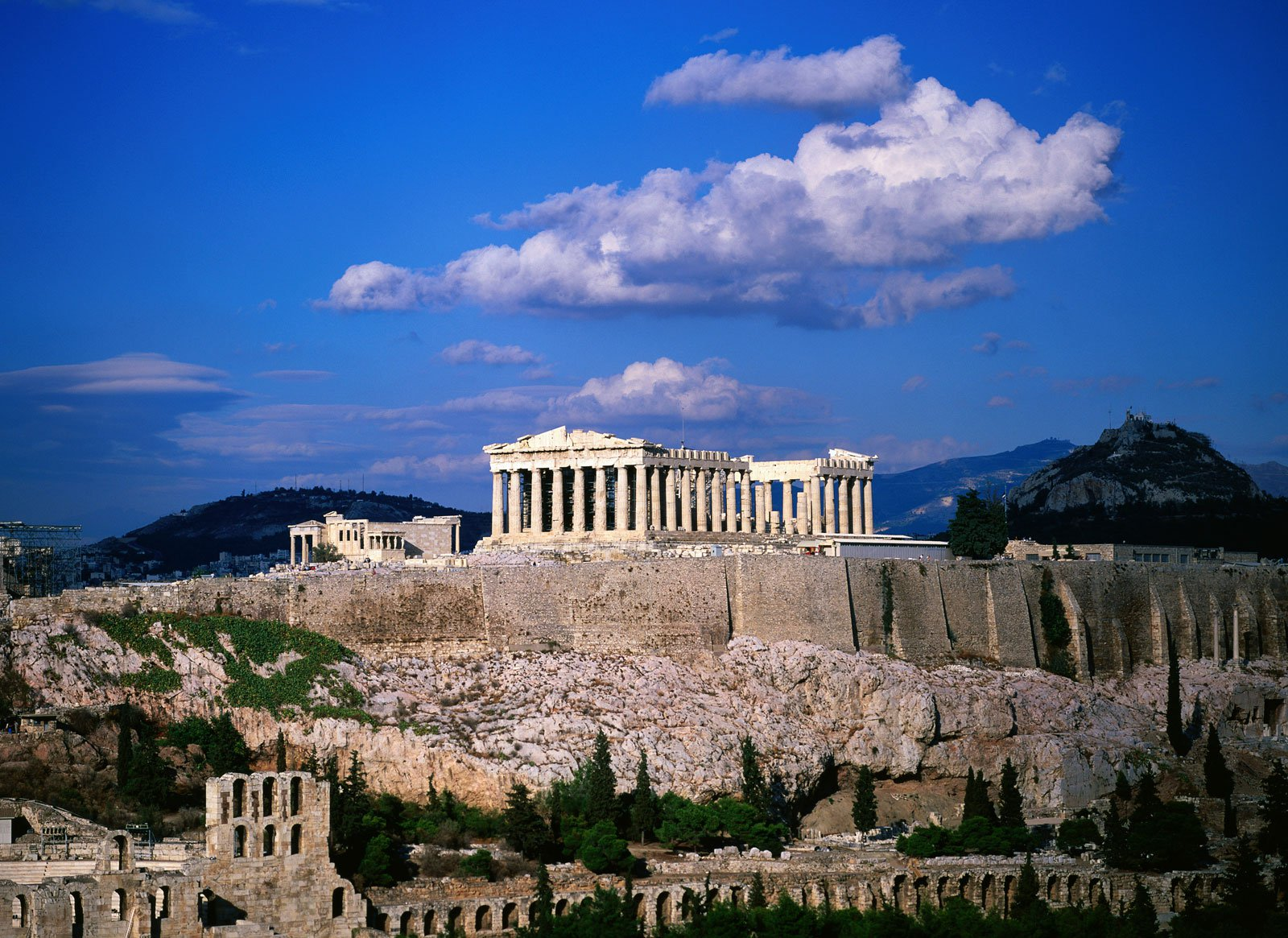 the ancient history of greece History ancient greece the ancient civilization of greece was located in southeastern europe along the coast of the mediterranean sea the geography of the region helped to shape the government and culture of the ancient greeks.
