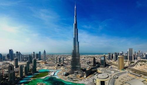 Worlds-tallest-building-Burj-Khalifa