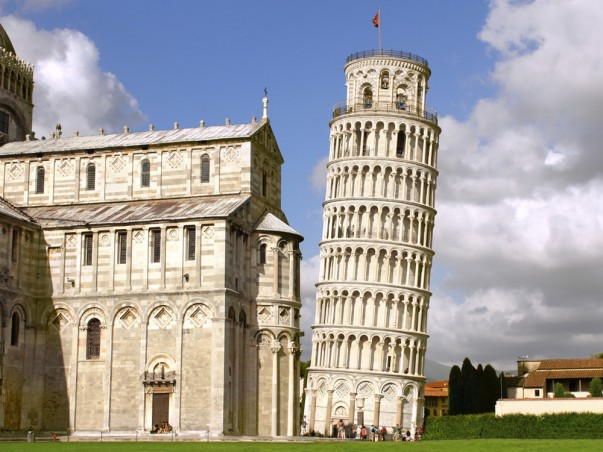 an overview of the famous leaning tower of pisa Cathedral of pisa by unknown architect, at pisa,  the cathedral complex includes the famous leaning tower,  inspiring and informative overview of world.