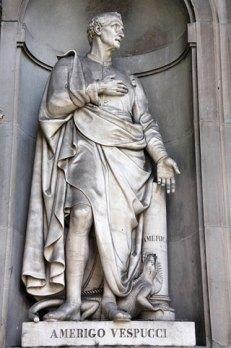 Amerigo Vespucci statue