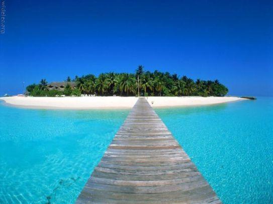 worlds-most-breathtaking-island-paradise