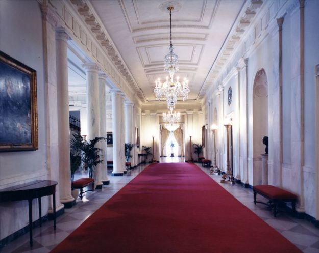 white-house-cross-hall