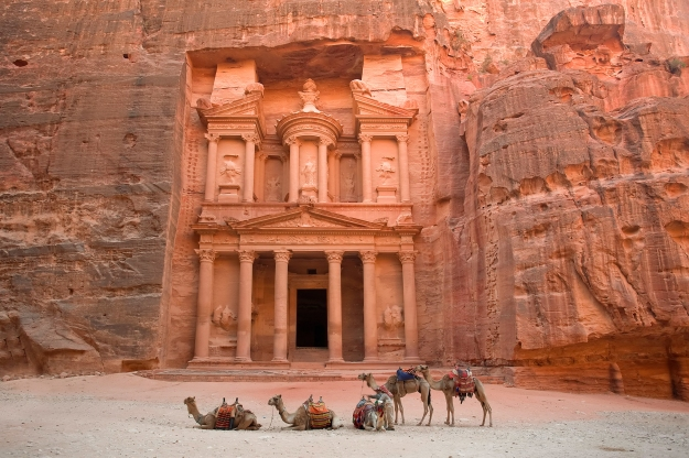 The Treasury (Al Khazneh), Petra (UNESCO world heritage site), Jordan. Image shot 2006. Exact date unknown.